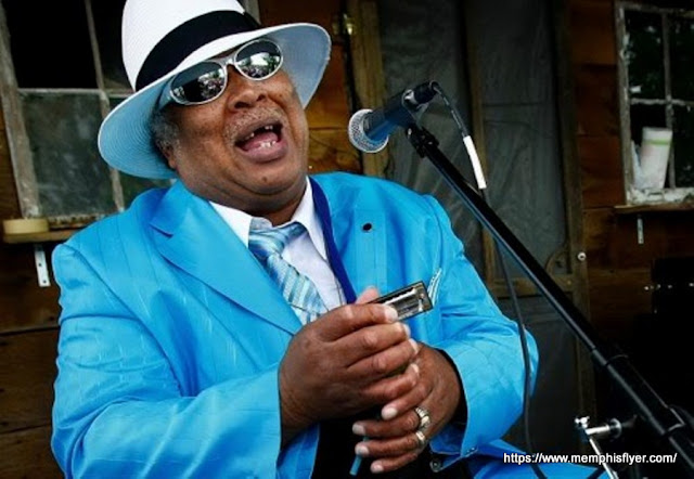 Blind Mississippi Morris, uma das maiores atrações de Beale Street, Memphis