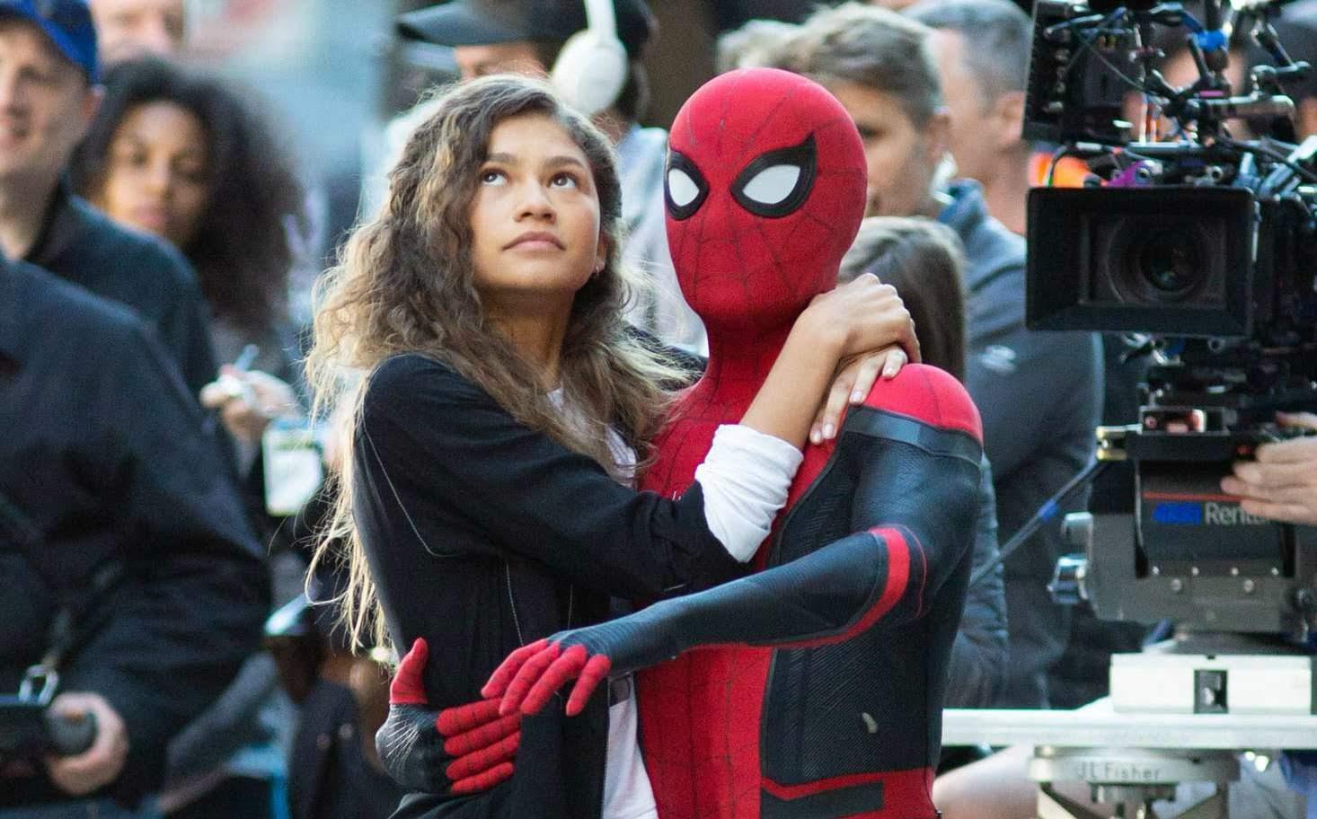Zendaya may wield a mace in Spider-Man Far From Home : トム・ホランド主演の「スパイダーマン」シリーズ第2弾「ファー・フロム・ホーム」のゼンデイヤは武器を振るって、敵と戦うヒロインなのかもしれないことが明らかになった ! !