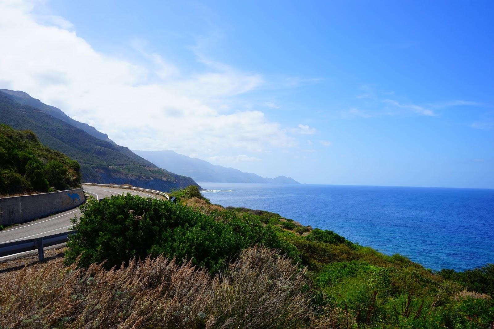Le Chameau Bleu - Blog Voyage  Sardaigne - Route de sardaigne vers Bosa -Sardinia