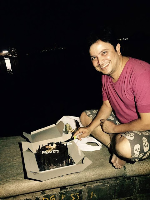Actor Abhijeet Kelkar celebrates his birthday in a very special and unique way at Powai Lake.