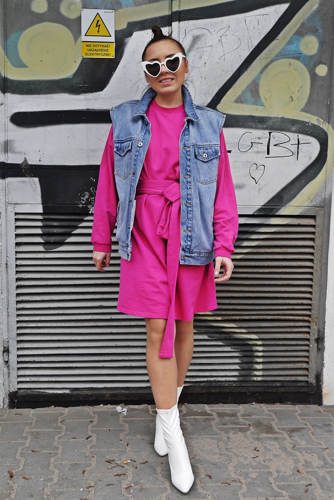 pink hoodie dress nakd white boots hearts sunglasses karyn fashion blogger