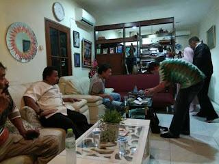 Waduh .. Rumah Salah Satu Pengurus GNPF MUI Malam Tadi Digeledah Bareskrim ! - Commando