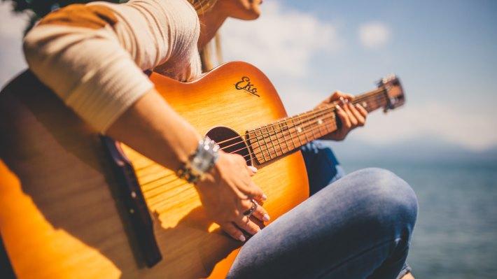 Wallpaper 2: Girl sign at guitar