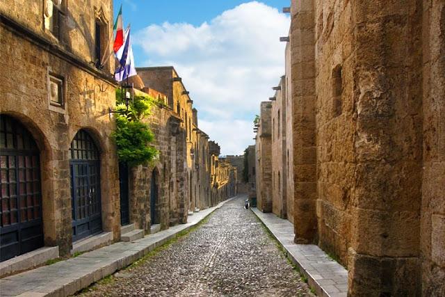 Passeio pelas ruas medievais, Rodes