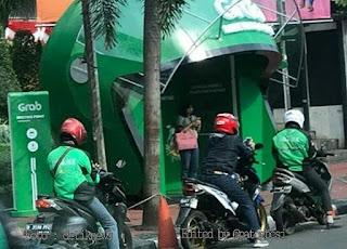DROPPING POINT GRAB DIPROTES PEJALAN KAKI