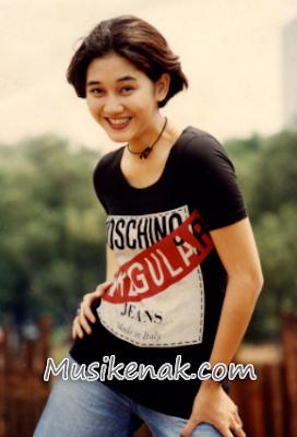 Koleksi Lagu Nike Ardila mp3 Full Album Hanya Satu Nama (1988)