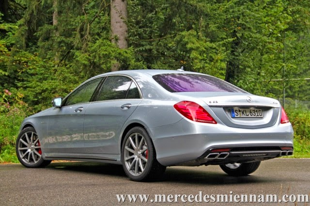 Xe Mercedes Benz S63 AMG Sedan 2