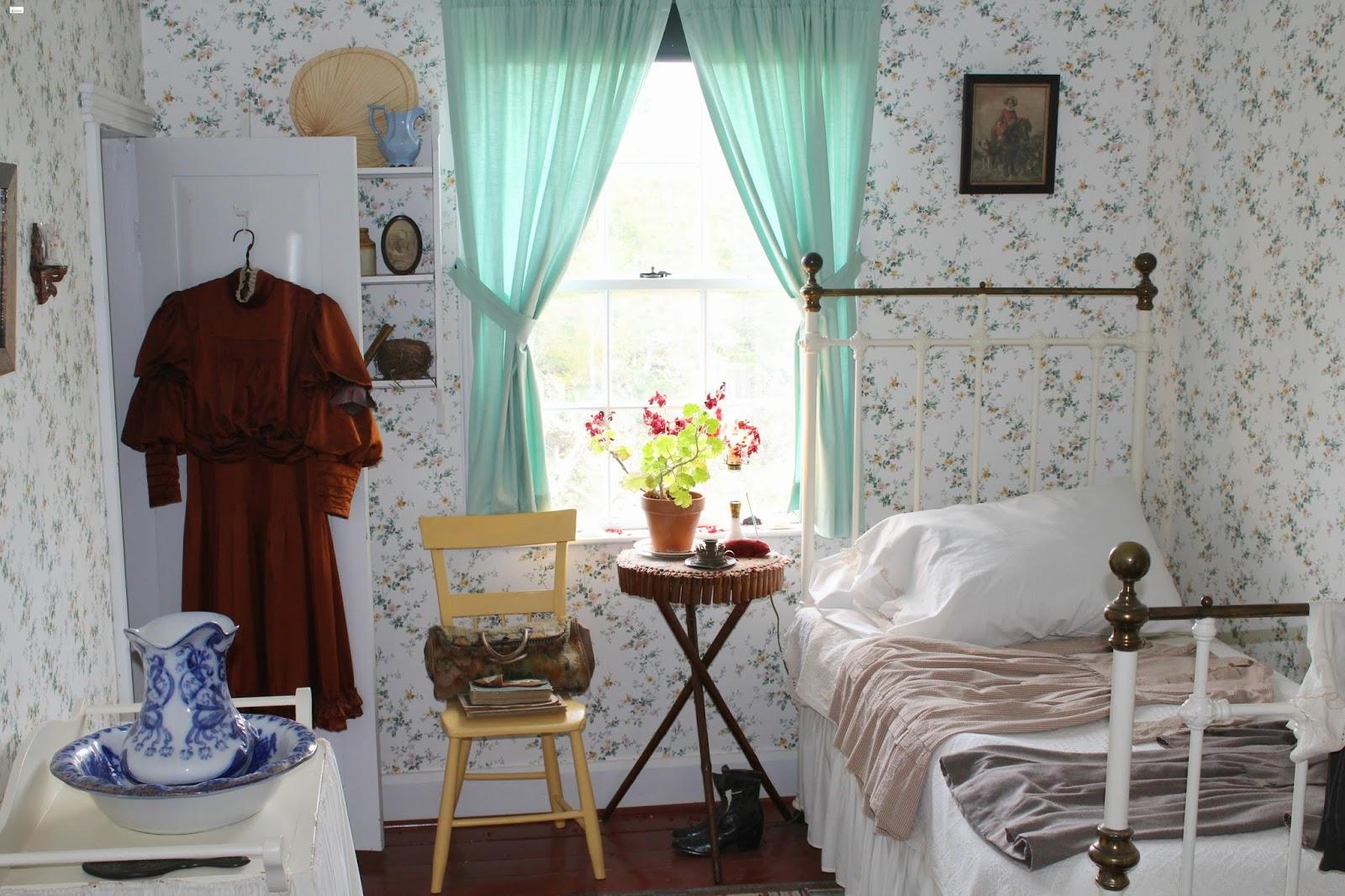 caravan sonnet: green gables heritage place home // prince edward