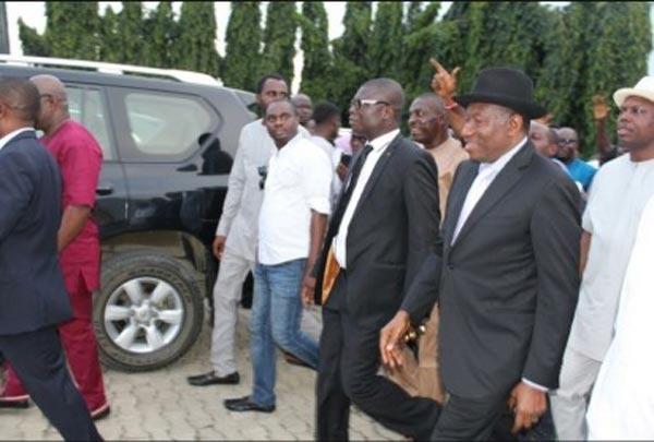 Goodluck Jonathan arrives his hometown in Otuoke