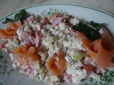 Sałatka z łososia i jajek
