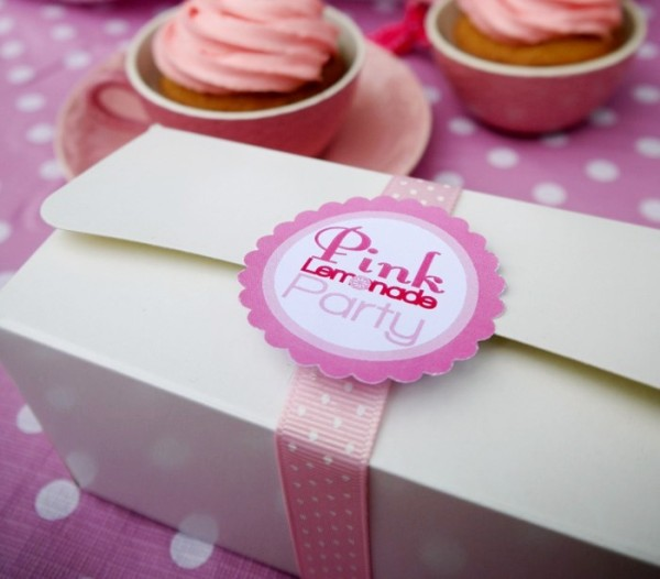 Free Printables | Pink Breast Cancer Awareness Kit - BirdsParty.com