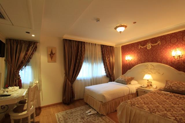 Luxury  Dahabiya Nile Cruises Cabin