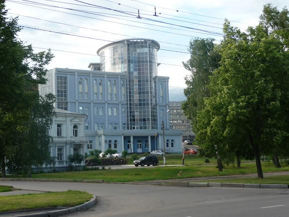 Сумы. ул. Героев Сумщины. Бизнес-центр «Акрополь»