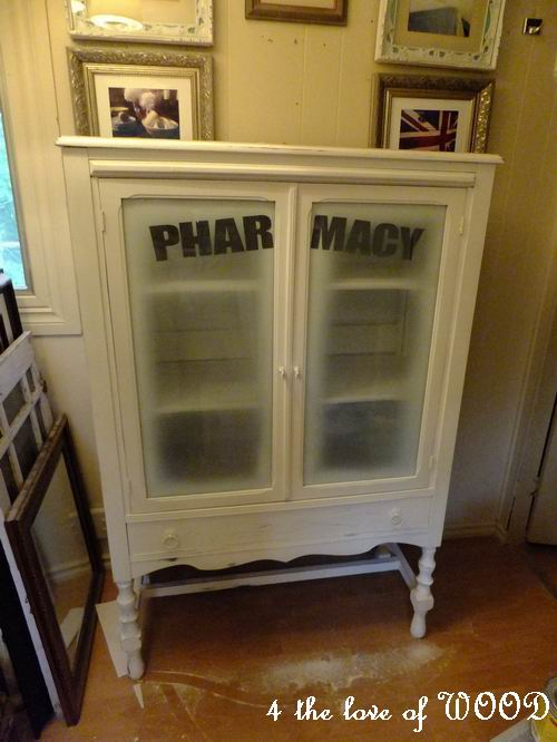 4 the love of wood: MY APOTHECARY CABINET - painting on glass