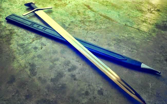 που χρονολογείται από τη σελίδα των σπαθιών