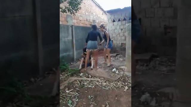 Adolescente é amordaçada, torturada com facão e martelo e obrigada engolir absorvente íntimo usado até vomitar em Trindade Goiás