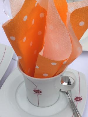 Orange and yellow wedding colours, Texas wedding in Germany, Bavaria, Garmisch-Partenkirchen, Riessersee Hotel, wedding destination location, wedding planner Uschi Glas, alps and lake-side wedding