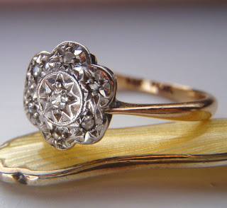 Vintage Engagement Ring. Cushion Cut & Rose Cut Diamonds. Cluster Daisy Design. 9K Gold and Platinum. Adorable.