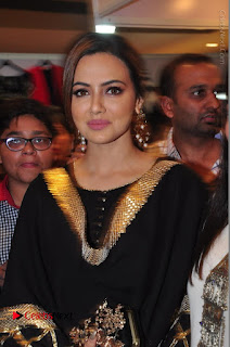 Bollywood Actress Sana Khan Launches Aakrithi Exibition  0090.JPG
