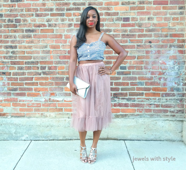how tto wear a crop top, crop top outfit ideas, striped crop top, crop top and skirt, tulle skirt, how to wear a tulle skirt, tulle skirt outfit ideas, jewels with style, columbus ohio blogger, columbus ohio personal stylist, columbus blogger, columbus wardrobe stylist, black fashion blogger, black style blogger