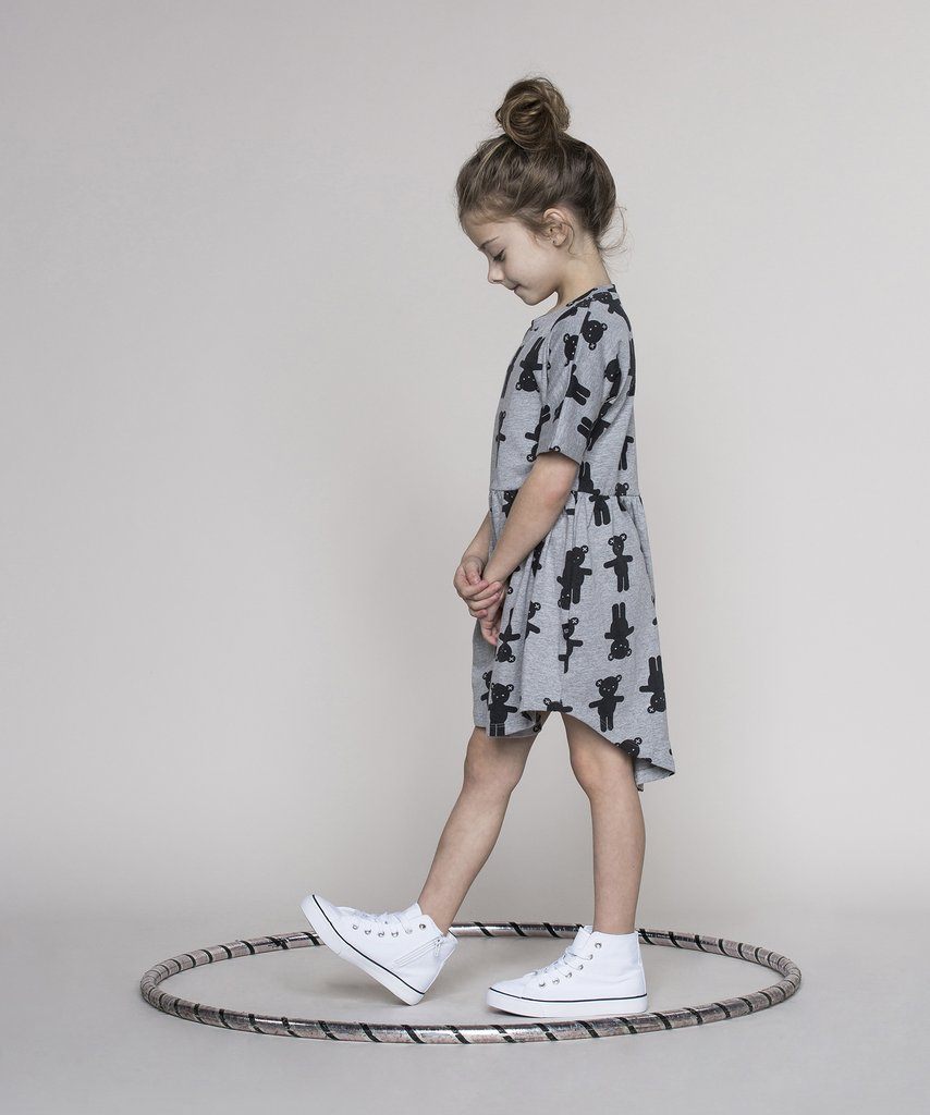 Huxbaby - monochrome kids fashion SS16/17 - bear dress