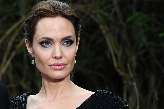 Анджелина Джоли — блондинка: актрису не узнать в новом образе