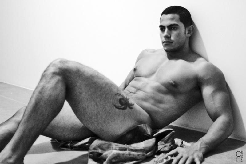 Ismael Duin, modelo sarado e pelado (11)