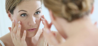 Declining cheeks are a feature that is easy to find if your skin is aging