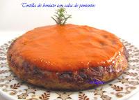 Tortilla de boniatos con salsa de pimientos