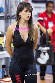 sexy-modelo-ropa-entallada