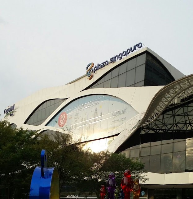 wisata singapura - Plaza Singapore