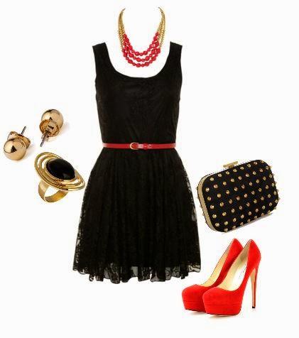 Vestido negro y collar rojo