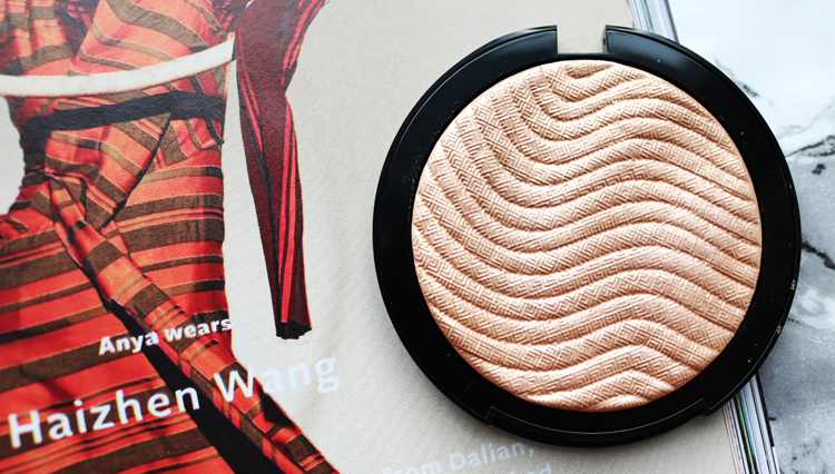Make Up For Ever Pro Light Fusion Undetectable Luminzer Highlighter review swatches 02