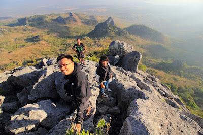 Menuju puncak gunung Fatuleu