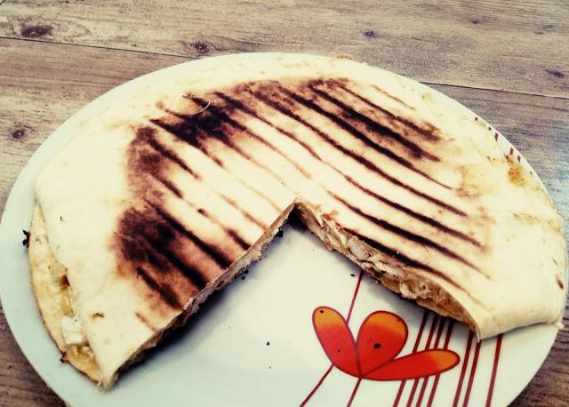 quesadilla z kurczakiem tortilla z kurczakiem grillowana tortilla