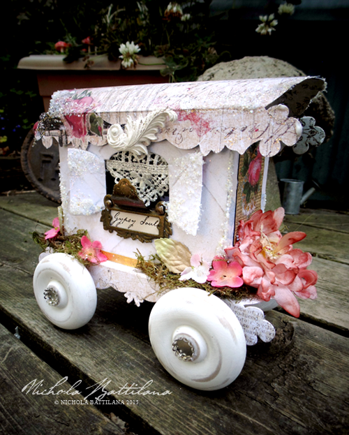 A paper caravan for very small gypsy - Nichola Battilana