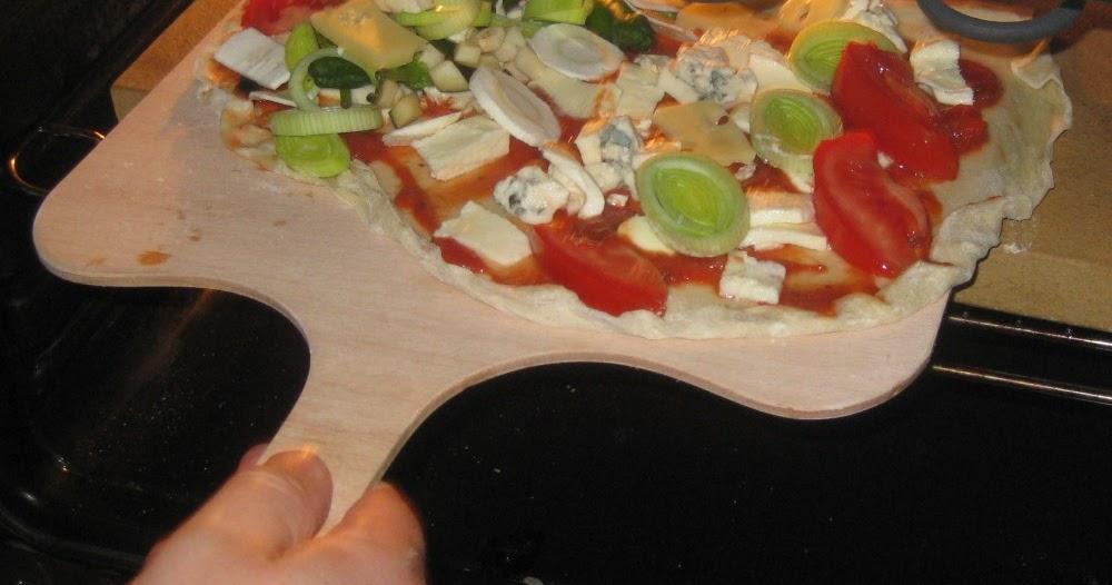 barbaras spielwiese pizza backen auf dem pizzastein. Black Bedroom Furniture Sets. Home Design Ideas