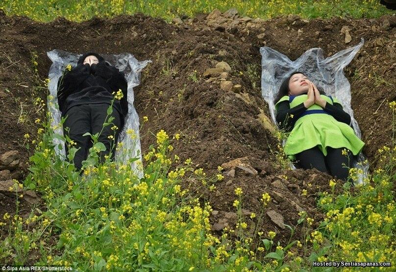 Terapi kubur janda