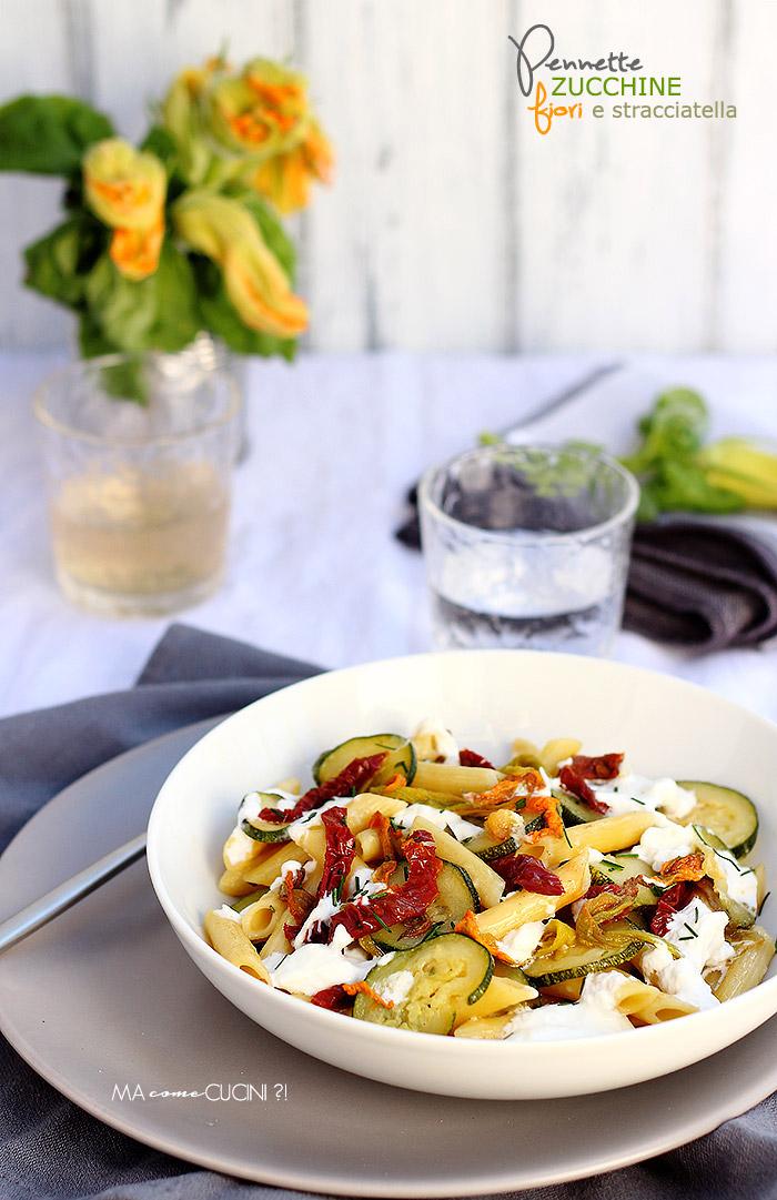 primi piatti vegetariani-pennette zucchine fiori e stracciatella