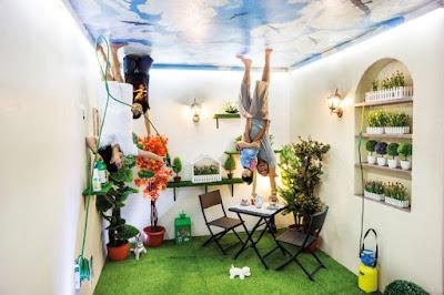 liburan keluarga di upside down world bali