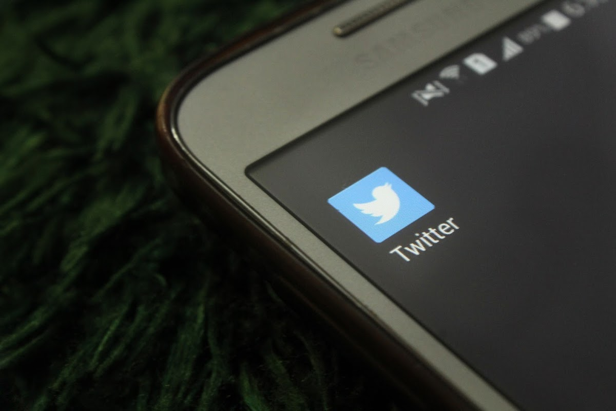 Twitter To Regulate Conversations by Introducing 'Hide Feature' To Global Users