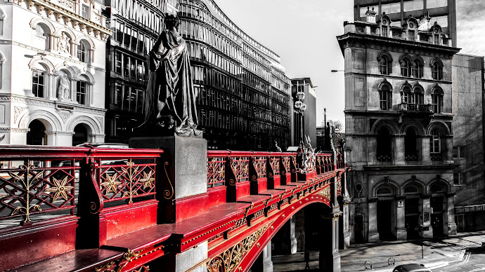 Wallpaper: Architecture from Holborn Viaduct