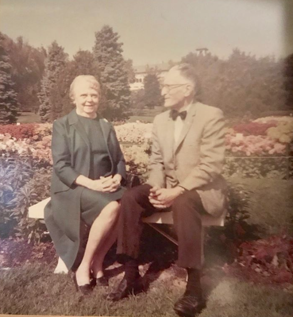 color photo of Irma Simpson DeHaven and William DeHaven in later years