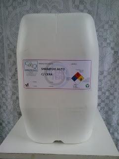 Producto de limpieza para autos shampoocar