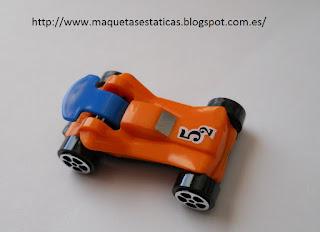 coche miniatura regalo de kinder sorpresa