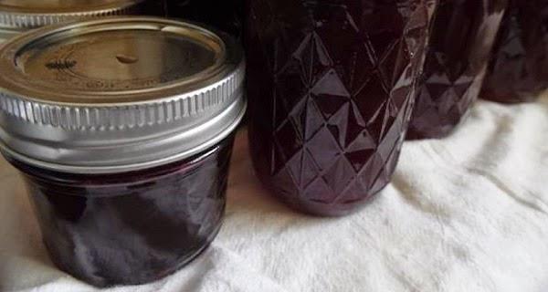 vinul amestecat cu usturoi este un adevarat elixir pentru sanatate