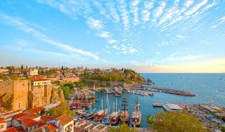 Antalya gezilecek yerler, Antalya gezi rehberi, doğal güzellikler, plajlar, tatil merkezleri, müzeler, antik kentler, tarihi yerler, turizm haritası.