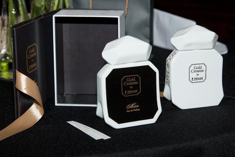 e8e436e19c ... ékszermárka a rendezvény során bemutatta első parfümjét, a barokk kor  ihlette Gold Ceramic női és férfi illatot. A porcelánüvegbe zárt exkluzív  illat ...
