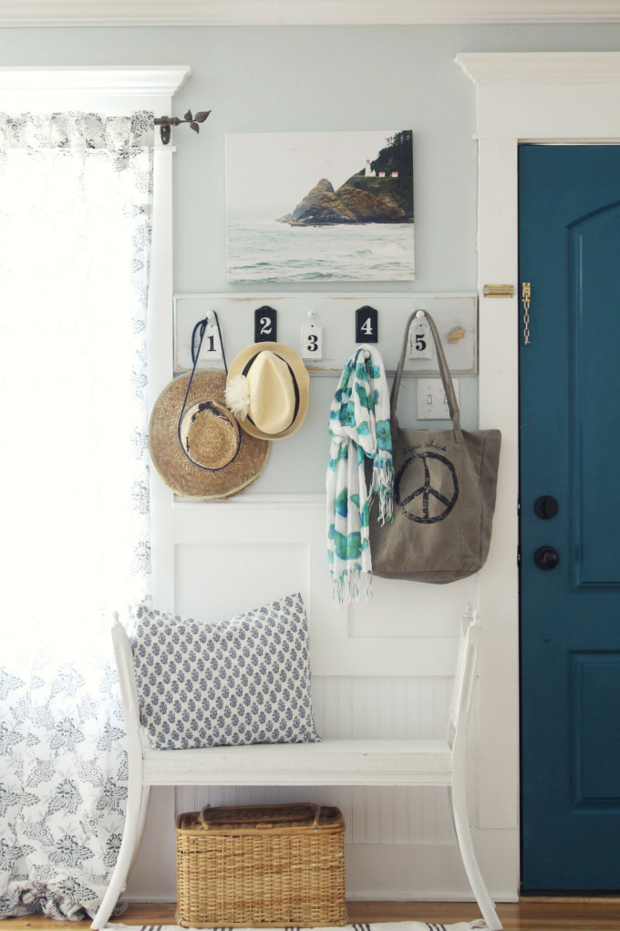 Easy DIY Numbered Coat Rack from The Wicker House  ||  Friday Favorites at www.andersonandgrant.com