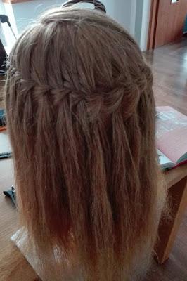 Niech porwie was moc wodospadu we włosach!